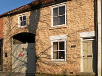 COOPERS COTTAGE, pet friendly, with a garden in Pickering, Ref 12415
