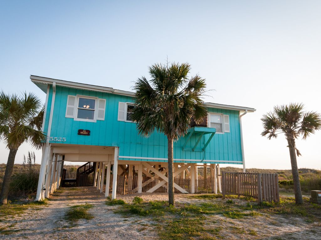 Ocean front cottage oak island nc direct vrbo for Beach front cottage