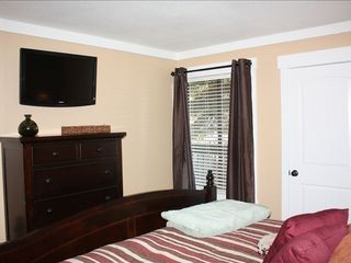 Mammoth Lakes condo photo - King Room other direction