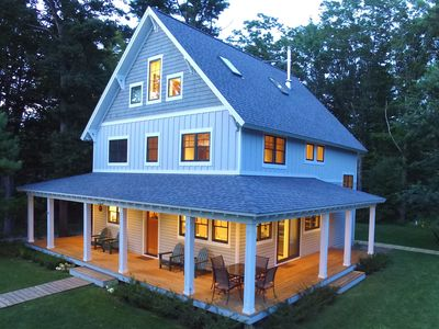 Modern Cottage In A Great Leland Location