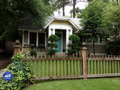 French Country Cottage In The Heart Of Atlanta!