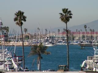 Oceanside Harbor - Dine, rent a boat, or take a 1/2 day, full day fishing trip.
