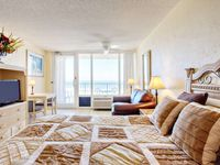 Affordable Studio, Direct Ocean Front Beauty on 6th Floor @ Pirates Cove, Pool, WiFi-Great Location!