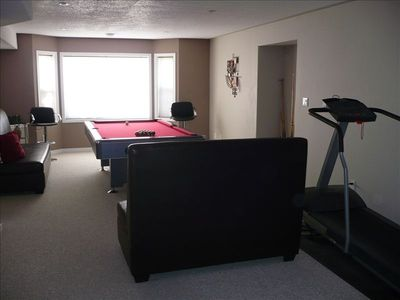 Pool Table Room with Treadmill, spectacular valley & mountain view