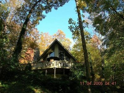 Chalet home in the trees on Bald Mountain Lake