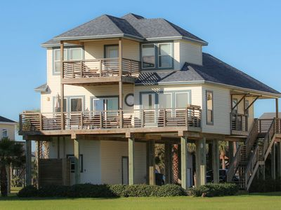 Beautifully Appointed Beach Home