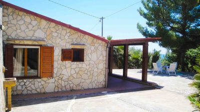 Wonderful villa 20 meters from the sea 'spend your vacation relaxing!'