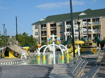 Kids' water playground
