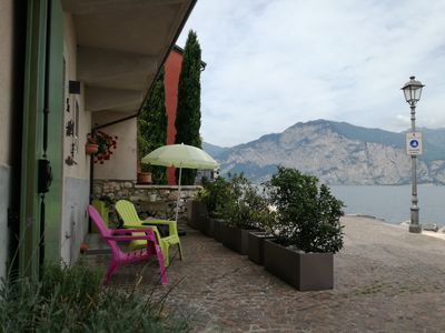 Apartment in restored Rustico directly on the lake, open all year.