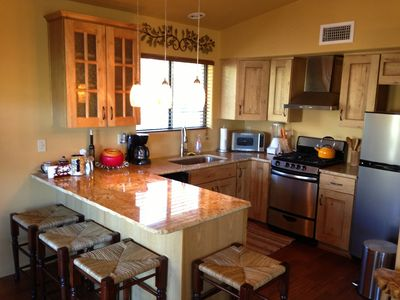 Tucson bungalow rental - Warm woods and colors puts your mind at ease.