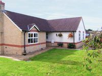 HORN VIEW, pet friendly, with a garden in Mosterton, Ref 29984