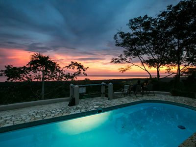 A true Costa Rican Adventure: Large Pool, Ocean and Mnt Views, Yoga Deck, BBQ