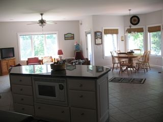 Kitchen, casual dining, kitchen/den area - Lake Anna house vacation rental photo