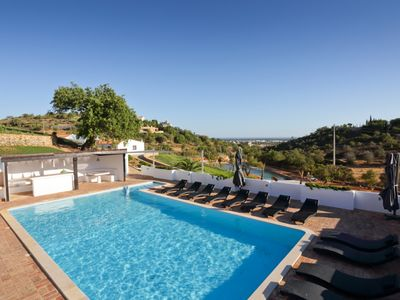 Majestic estate within the golden triangle, large pool and a lake with Sea views