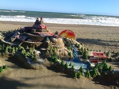 beach art during December January