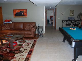 Branson cabin photo - Family room with plazma TV and Pool Table