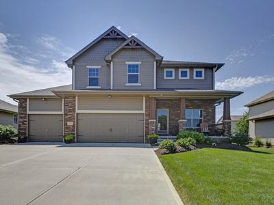 Large Beautiful Home 5 Bed/ 4 Bath