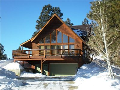 Long driveway with 2-car garage and plenty of space - Pagosa Mountain Retreat