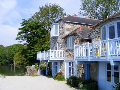 Helford house rental - As you arrive....