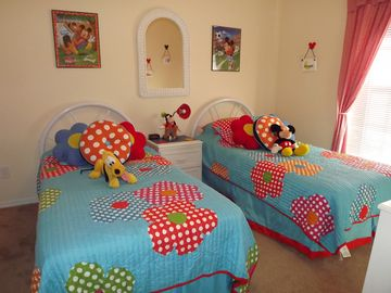 Fun Kids Twin Room
