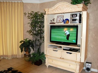 LARGE FLAT SCREEN TV & DVD PLAYER IN EVERY ROOM.
