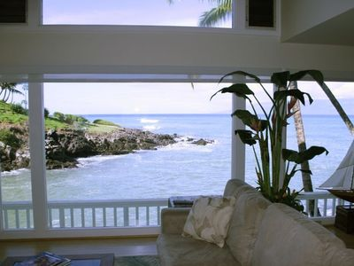 Living room ocean view and Molokai in the distance.