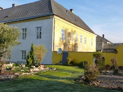 Holiday house with 8 apartments for 30 persons in a historic school building.