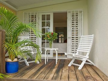 Garden Apt: Optional Bedroom 3 - private deck