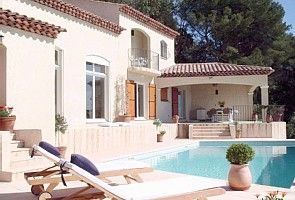 Beautiful villa with stunning views, heated pool* & tennis court...