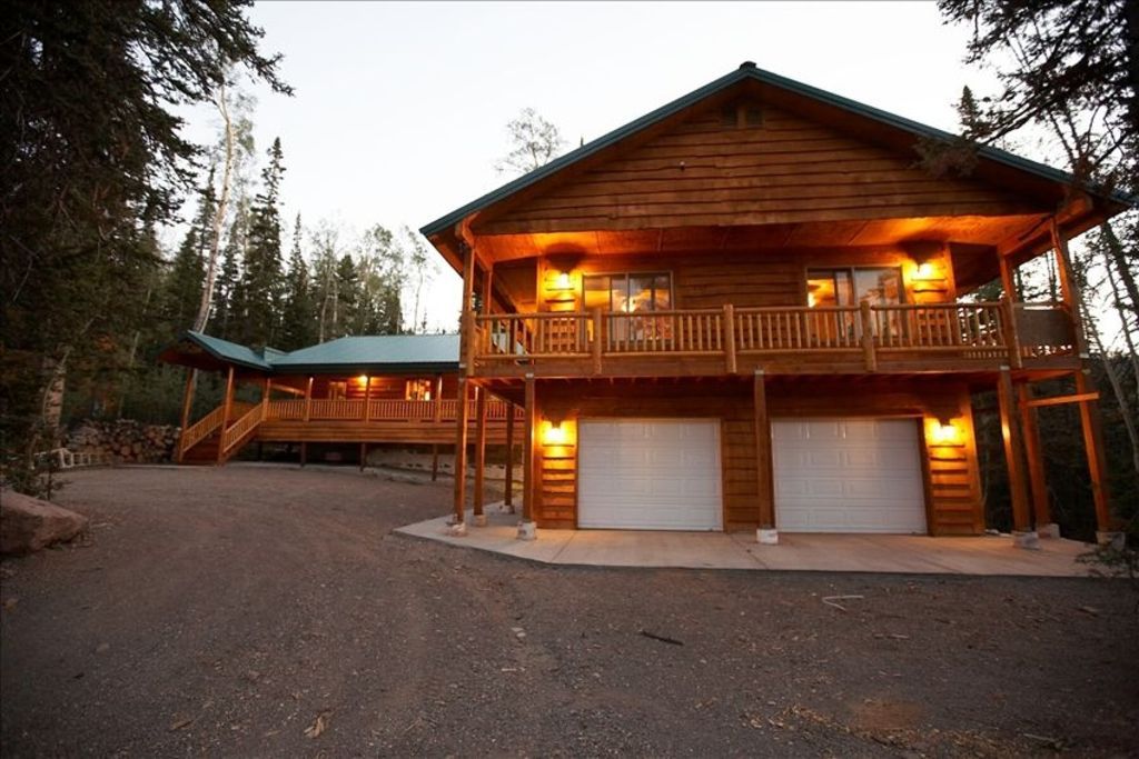 15 off april may we 39 ve got snow at our homeaway for Brian head ski resort cabin rental