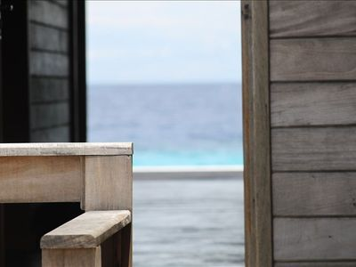 Bonaire house rental - peek through the house