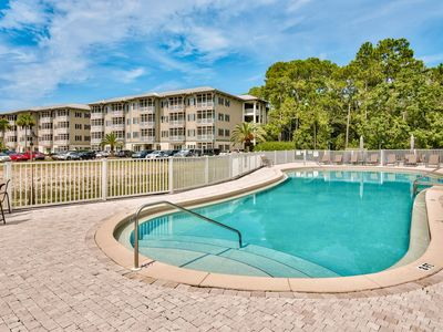 3BR on Lake w/ Balcony & Pool, Steps to Beach – Near Hiking & Attractions