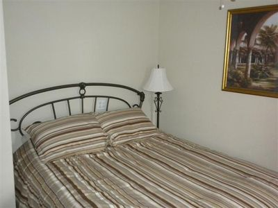Lake Ozark condo rental - Queen Bedroom