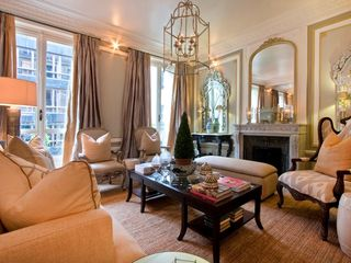 8th Arrondissement Champs Elysees apartment photo - Saloon