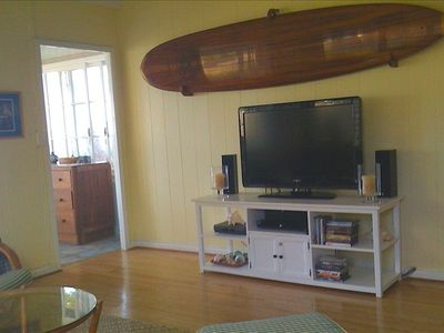 Flat screen TV w/ DVD player.