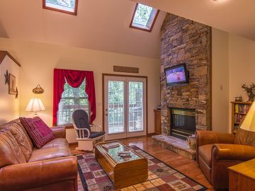 Pigeon Forge cabin rental - Living Room-Queen Size Sleeper Sofa /Stacked Stone Gas Fireplace