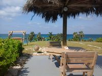 *Off The Reef*-A couples Retreat-Miles of Secluded Beaches-Wi-Fi