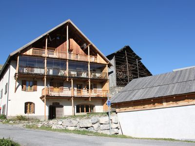 Large 1st floor apartment in a typical chalet Queyras