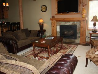 Sunriver house photo - Comfortable Living Room with TV, DVD, Gas Fireplace and Stereo