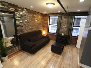 Chelsea apartment photo