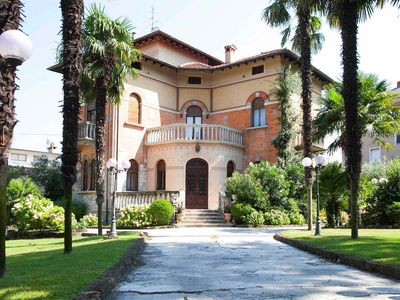 Villa Barbara ~ Looking for an authentic 'wow factor' stay on Lake Garda?