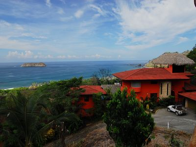 Villas Vecinos overlooking the Pacific