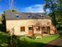 Converted barn, area of outstanding natural beauty, 1 mile from surfing beach