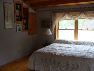 Trenton cabin photo - Master bedroom with luxury king mattress, walk-in closet, and one-person jacuzzi