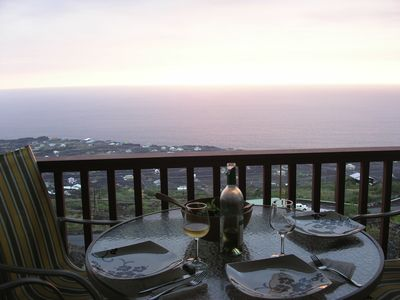Milolii house rental - Dinner with a sunset