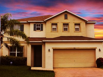 LUXURIOUS 5 Bed/4.5 Bath ~ Family Disney Theme~Game Room~Spa~ Pool~Wifi