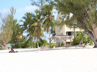 Grand Cayman condo photo - You will love our beach!! Walk to exciting snorkel sites.