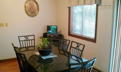 Mount Pocono house rental - Dining room with personal computer and lamient floors