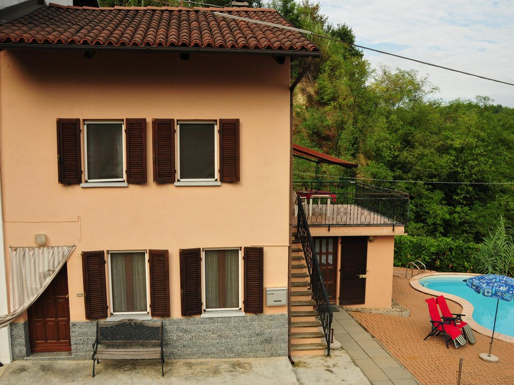 Peaceful house, with terrace , Cisterna D