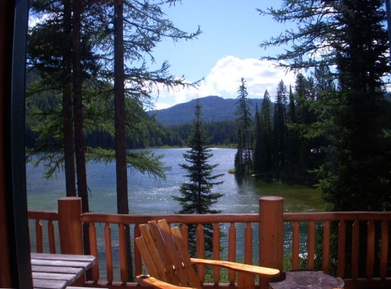 Spacious Log Cabin On Secluded Lake By West Vrbo